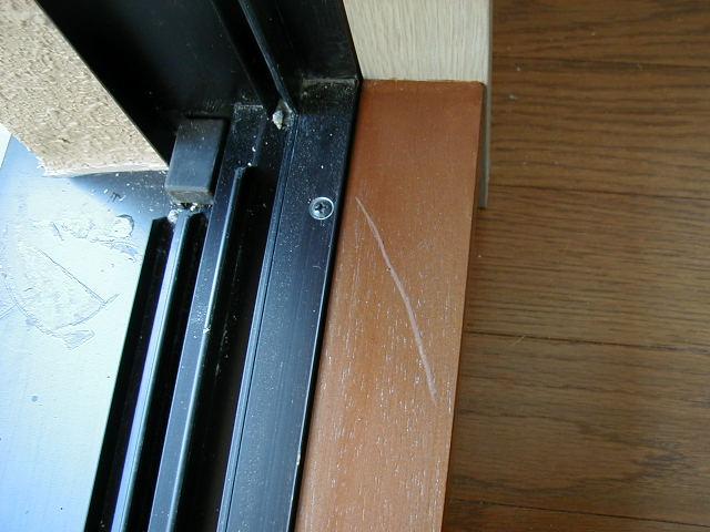 窓の額縁の補修